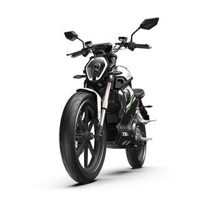 """Motocicleta Elétrica Modelo TSX com Motor de 1500W até 3000W Rodas 17"""" Cinza - Super Soco"""