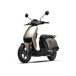 """Scooter Elétrica CUX Prata - Motor de 1300W até 2788W Rodas 12"""" - Super Soco"""