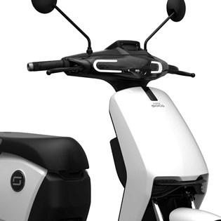 """Scooter Elétrica Modelo CU com Motor de 900W até 1200W Rodas 12"""" Branca - Super Soco"""