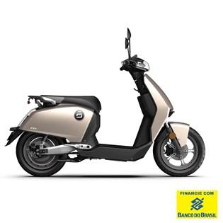 """Scooter Elétrica Modelo CUX com Motor de 1300W até 2788W Rodas 12"""" Prata - Super Soco"""