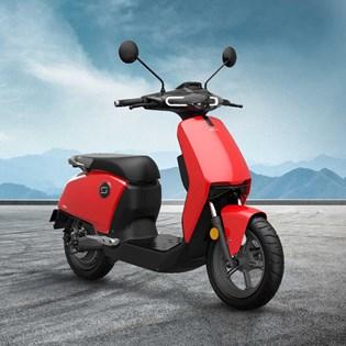 """Scooter Elétrica Modelo CUX com Motor de 1300W até 2788W Rodas 12"""" Vermelha - Super Soco"""